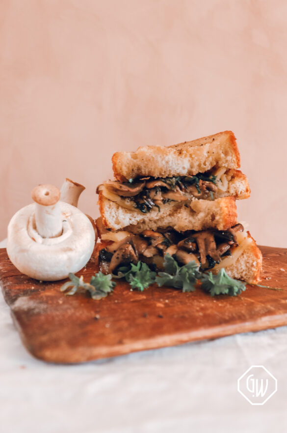 GARLIC MUSHROOM GRILLED CHEESE SANDWICH